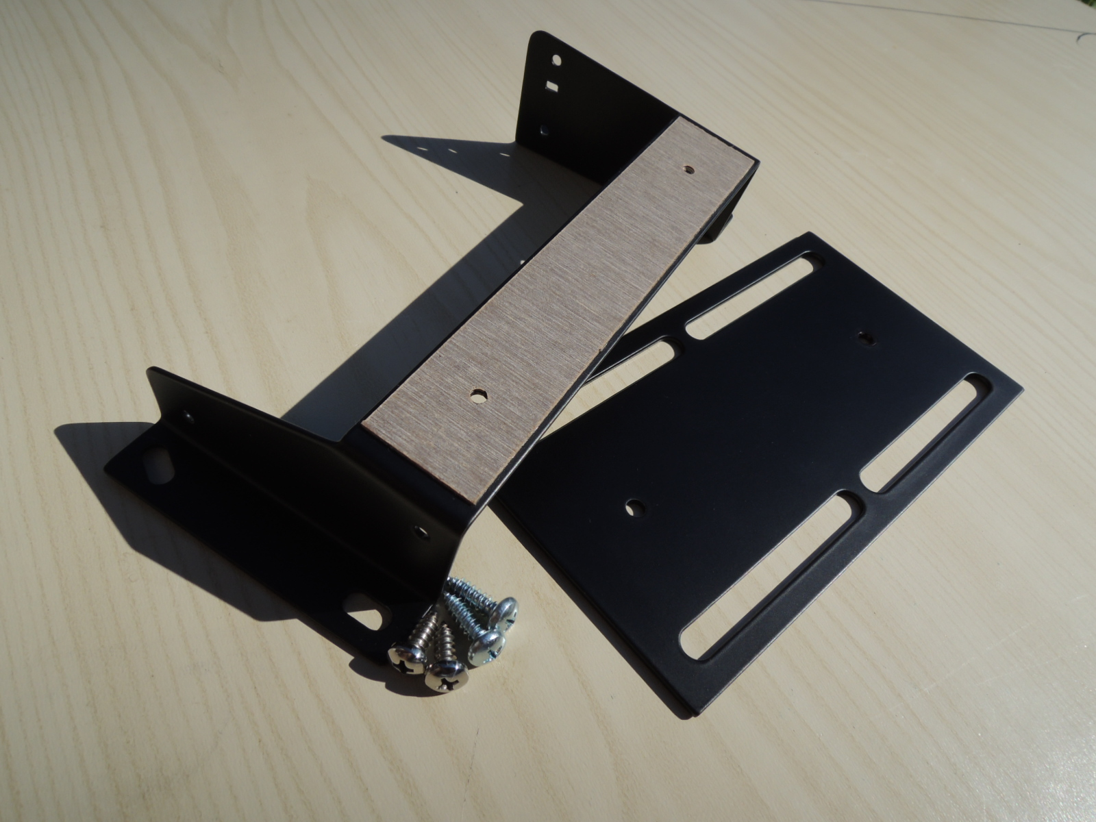 Alfa Romeo 105 early model fuse box support bracket