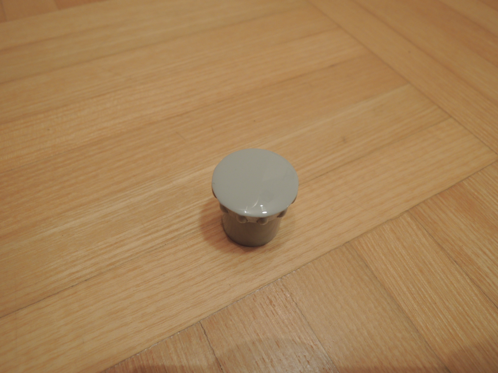 105 Bertone rear window catch knob reproduction